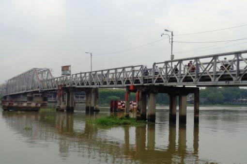 Chuẩn bị tháo dỡ cầu sắt hơn 100 năm tuổi trên sông Sài Gòn