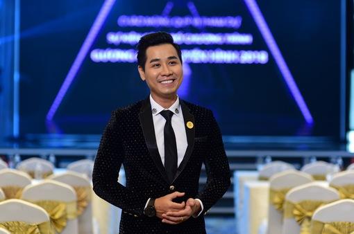 """MC Nguyên Khang lần đầu ngồi """"ghế nóng"""" show truyền hình thực tế về nghề MC"""