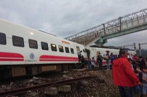 Gia tăng thương vong trong vụ lật tàu hỏa tại Đài Loan (Trung Quốc)