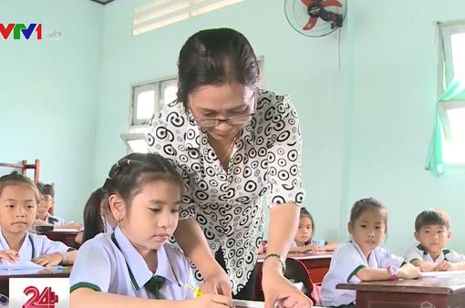 Hàng loạt trường học ở Cà Mau khốn khổ vì thiếu giáo viên