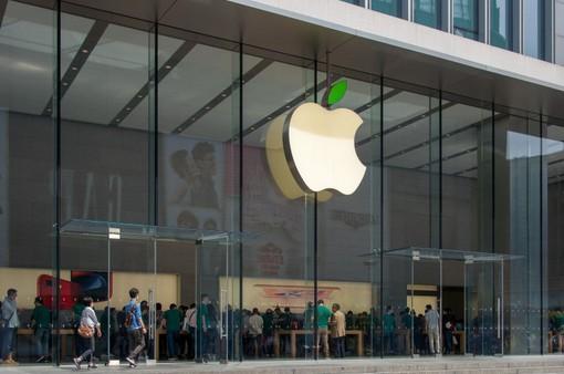 """Apple đang """"móc túi"""" người dùng nhiều hơn bao giờ hết"""