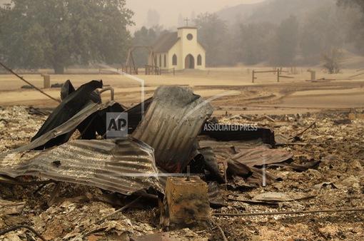 Phim trường Hollywood bị thiêu rụi trong vụ cháy rừng ở California