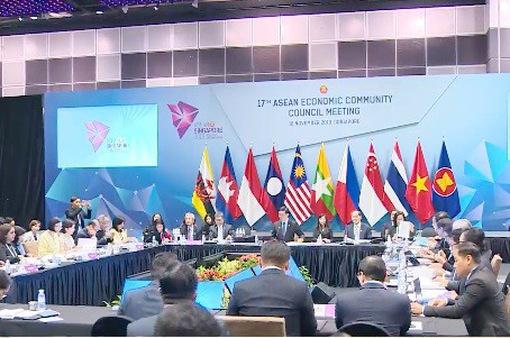 ASEAN thảo luận hợp tác kinh tế, thương mại