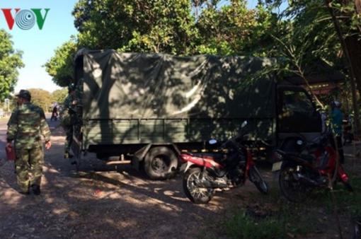 Xe đông lạnh tông xe quân đội, 4 quân nhân dự bị thương vong