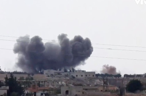 Liên quân không kích miền Đông Syria, ít nhất 38 người thiệt mạng