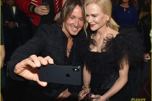 Chồng Nicole Kidman tuôn nước mắt trên sân khấu