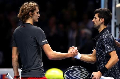 ATP Finals: Djokovic thắng dễ Zverev, Cilic đánh bại Isner