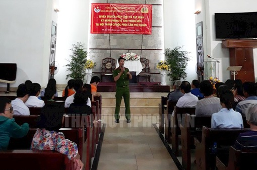 Công an TP.HCM tuyên truyền về pháp luật cho thanh, thiếu niên