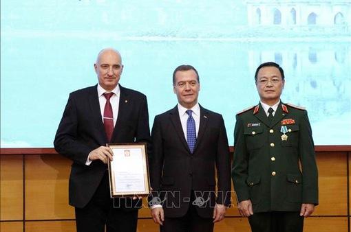 Thủ tướng Nga thăm Trung tâm Nhiệt đới Việt - Nga