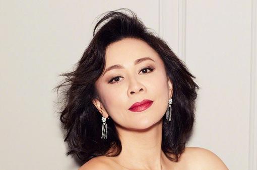 Lưu Gia Linh ở tuổi 52: Mặn mà và quyến rũ