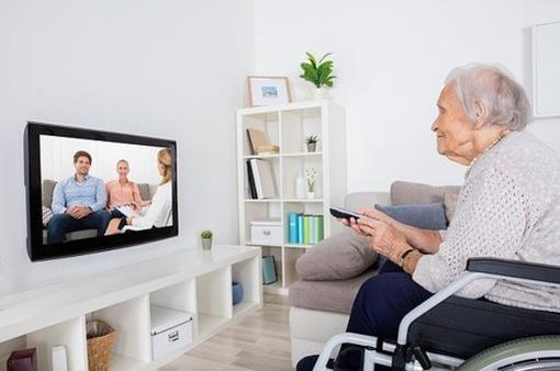 """Xem tivi hơn 2 tiếng mỗi ngày dễ bị """"chết sớm""""?"""