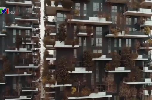 """Tòa tháp xanh """"đối đầu"""" với ô nhiễm môi trường ở Milan"""