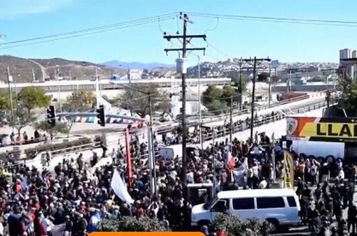 Số người đến Mỹ xin tị nạn tăng gấp đôi