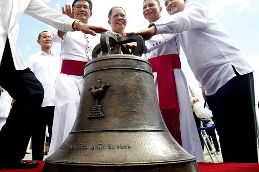 Mỹ chính thức trả chuông quý cho Philippines sau hơn 1 thế kỷ