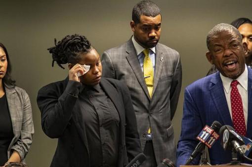 Mỹ: Bảo vệ bắn chết nhầm khách hàng, gia đình nạn nhân đòi bồi thường hơn 500 triệu USD