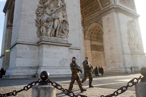 Paris duy trì 8.000 cảnh sát đảm bảo an ninh