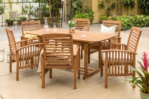 Bàn ghế ăn dành cho khu vực sân vườn