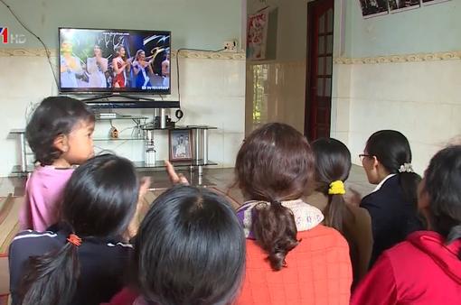 H'Hen Niê lọt Top 5 Hoa hậu Hoàn vũ 2018, bà con buôn làng vui mừng, hãnh diện