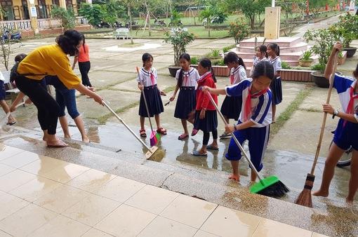 Thừa Thiên-Huế: Hôm nay (17/12), hơn 8.000 học sinh trở lại trường sau lũ