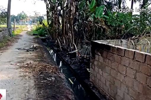 Khoảng 3.000 lít dầu tràn ra đồng ruộng Thanh Hóa