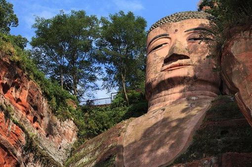 Tương truyền về tượng Phật khổng lồ từng 4 lần rơi lệ