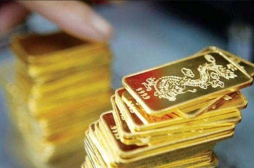 Giá vàng trong nước đi xuống do áp lực điều chỉnh từ thị trường thế giới