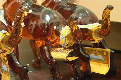 Chiêu thức sử dụng tem nhập khẩu giả tiêu thụ rượu dịp Tết