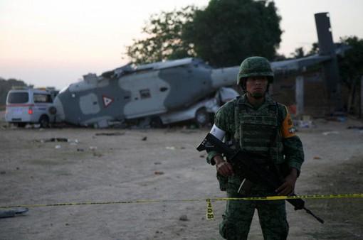 Rơi trực thăng chở Bộ trưởng ở Mexico, ít nhất 13 người thiệt mạng