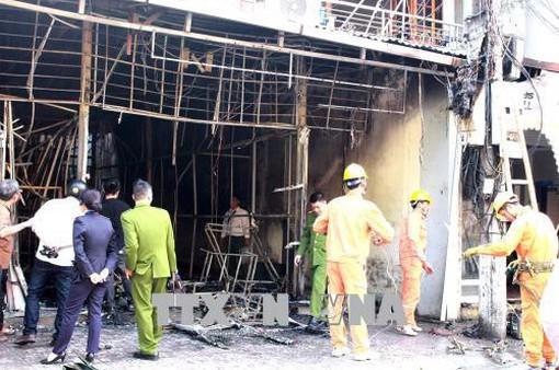 Hỏa hoạn thiêu rụi hoàn toàn 2 nhà dân ngày đầu năm
