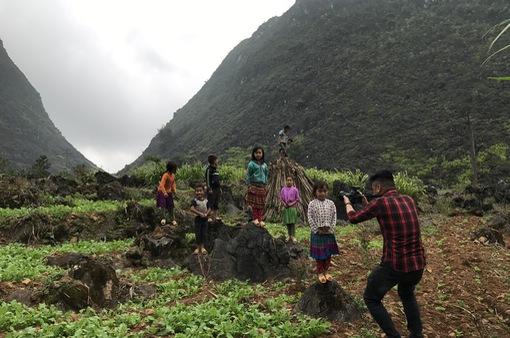"""Khám phá Hà Giang cùng nhiếp ảnh gia Trần Tuấn Việt qua series"""" Bản tình ca của đá"""""""