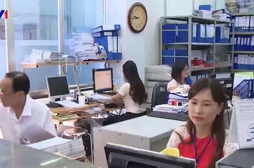 Ngày đầu làm việc tại các cơ quan hành chính công: Không khí hứng khởi, tươi mới