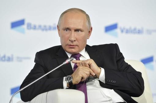 Tổng thống Putin duy trì tỷ lệ ủng hộ lớn trước bầu cử