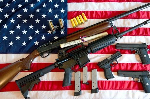 Giới trẻ Mỹ quyết tâm thay đổi luật kiểm soát súng đạn