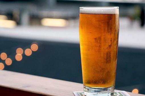 Uống rượu, bia vừa phải sẽ giúp kéo dài tuổi thọ