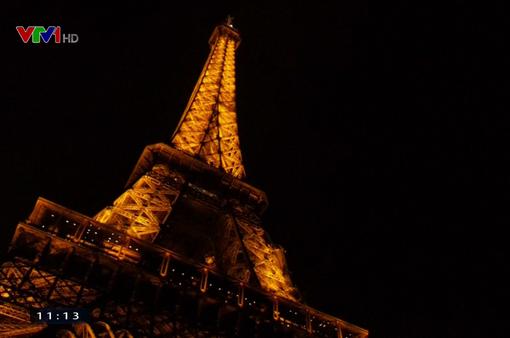 Thú vị cuộc thi chạy lên tháp Eiffel