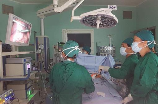 TP.HCM: Phẫu thuật thành công cho bé trai bị bướu bạch huyết hiếm gặp