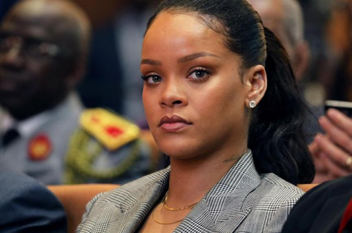 Rihanna chỉ trích, Snapchat mất 800 triệu USD