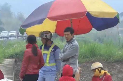 Cao tốc Nội Bài - Lào Cai: Xe dừng đón trả khách như xe bus