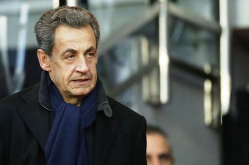 Cựu Tổng thống Sarkozy bị điều tra và phản ứng của người dân Pháp