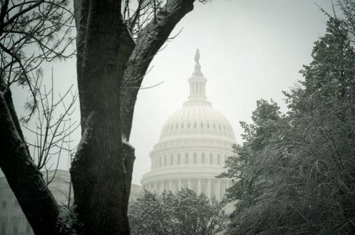Mỹ cấp ngân sách 1.300 tỷ USD cho chính phủ
