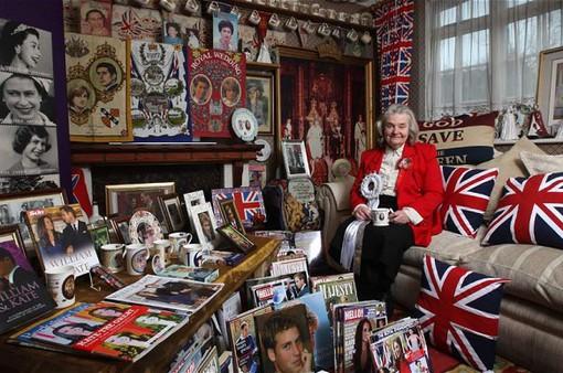 Bộ sưu tập khủng của người hâm mộ Hoàng gia Anh trung thành nhất
