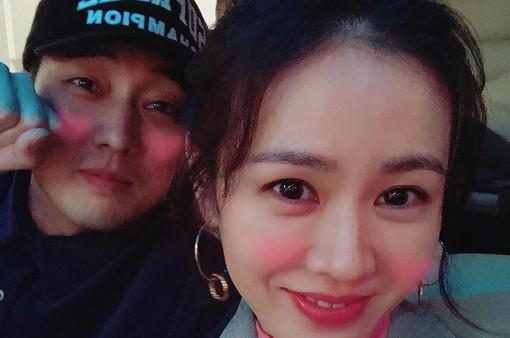 """Son Ye Jin xin lỗi vì đã """"phản bội"""" So Ji Sub"""