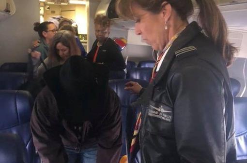 Thần kinh thép của nữ phi công cứu sống 148 hành khách trong vụ nổ máy bay tại Mỹ