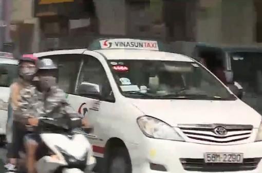 Ý kiến xung quanh đề xuất biển số màu vàng với xe taxi