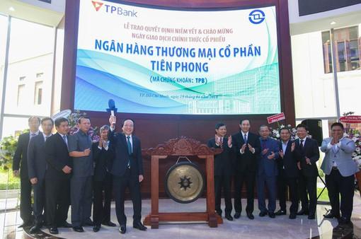 TPB chào sàn: Ngược dòng cổ phiếu ngân hàng