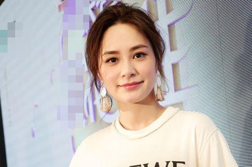 Chung Hân Đồng sẽ kết hôn ở Hong Kong trong năm nay