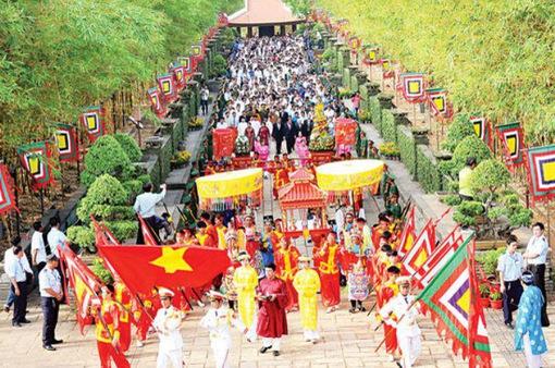 TP.HCM: Nhiều hoạt động ý nghĩa tại đền thờ các Vua Hùng