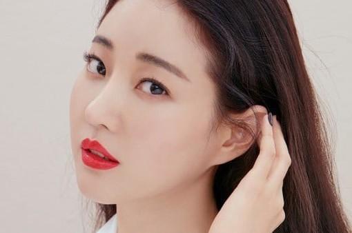 Hoa hậu Hàn Quốc bị ngã gãy chân