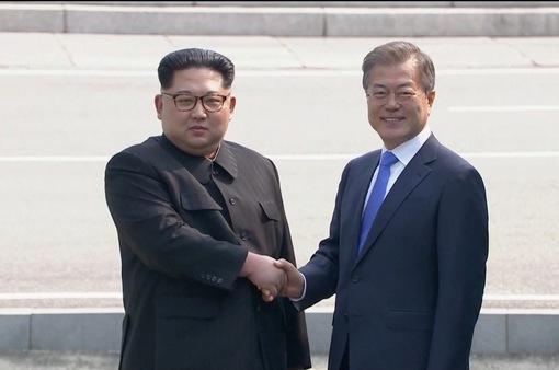 Lịch sử tại bán đảo Triều Tiên: Ông Kim Jong-un bước qua biên giới sang Hàn Quốc