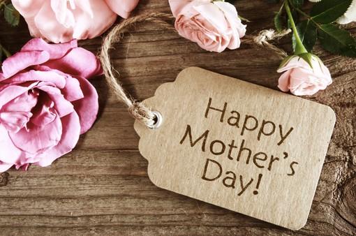 """Hôm nay """"Ngày của Mẹ"""", bạn có biết mình làm được gì trên Facebook?"""